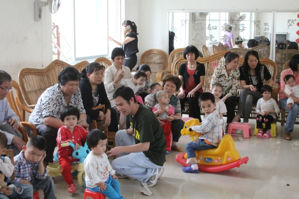 Foster families in Qinzhou, Guangxi.  Photo by Jason Fouts.